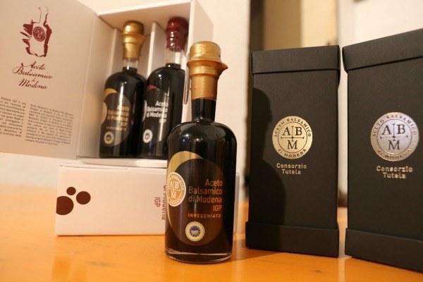 Aceto balsamico Modena, prodotti tipici,Igp