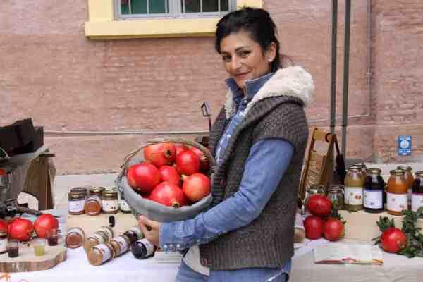 giovane ragazza agricoltrice