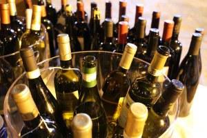 vino bottiglie enologia