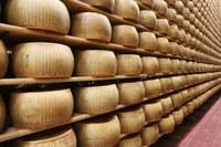 Scaffale con forma Parmigiano Reggiano