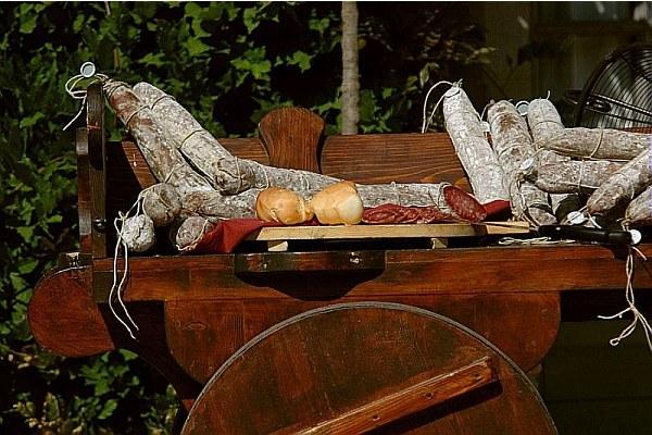 Prodotti tipici, salumi, pane, agroalimentare, agricoltura