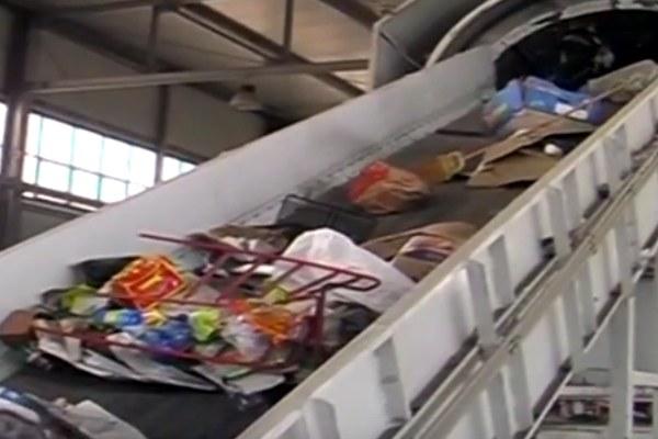 Impianto riciclaggio rifiuti, raccolta differenziata 1