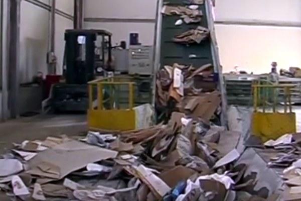 Impianto riciclaggio rifiuti, raccolta differenziata 2