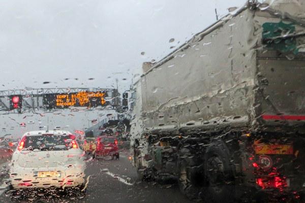autostrada, traffico, pioggia, maltempo