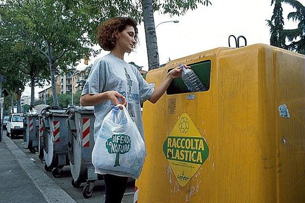 Rifiuti, raccolta differenziata, plastica