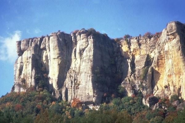 Castelnovo Monti (Re), Pietra di Bismantova