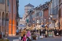 Carpi, centro storico, borgo, passeggiata, locali