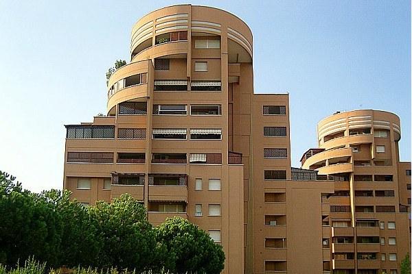 Edilizia residenziale, case, condominio, abitazioni, palazzi (2)