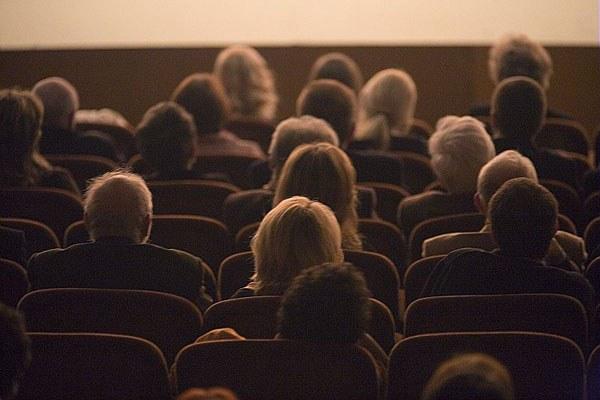 Cinema, poltrone, spettatori