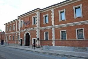 Meis Ferrara esterno