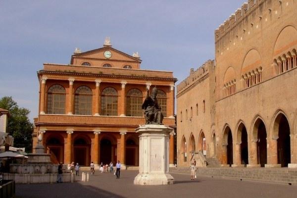 Teatro Galli_esterno
