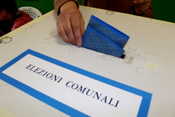 Elezioni comunali, scheda blu