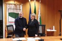 Firma protocollo RER e Consiglio nazionale dell'Ordine dei consulenti del Lavoro_ Bonaccini _Marina Calderone