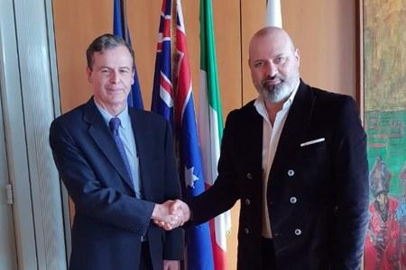 Bonaccini e  ambasciatore Australia Greg French