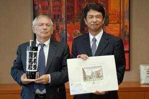 Missione Bianchi Giappone_ incontro governatore Ibaraki