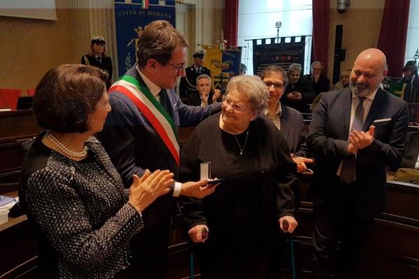 Bonaccini a Modena per 70esimo anniversario medaglia d'oro al valore militare - consegna