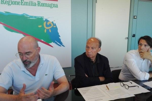 Contributo parrucche pazienti oncologiche - conferenza stampa 30/7/2019 con Bonaccini, Venturi e Campagna