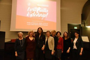 donne, ortofrutta, 8 marzo