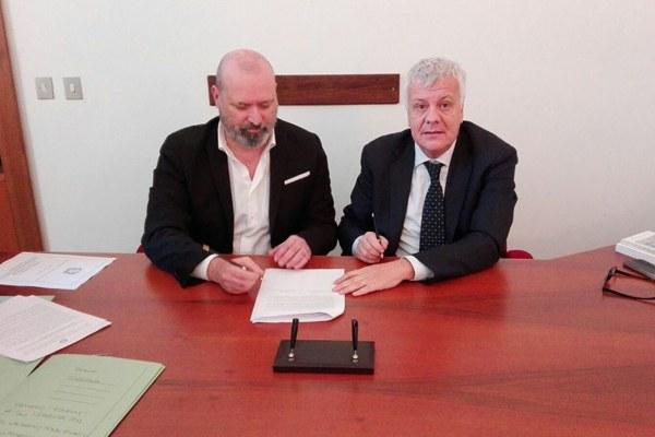 Firma accordo Galletti e Bonaccini a Roma per sicurezza idrogeologica (18/12/2017)