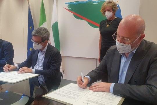 Firma Protocollo Ministro Orlando, presidente Bonaccini - 07/06/2021