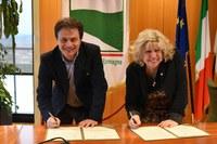 Conferenza stampa Regione e Slow Food Italia per promuovere le produzioni locali della tradizione enogastronomica Caselli - firma protocollo(9-4-18)