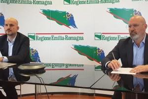 Stefano Bonaccini e Paolo Calvano conferenza stampa del 28 aprile 2020 investimenti 14 miliardi euro