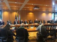 rifiuti speciali, Bonaccini, Gazzolo, firma accordo gestori e imprese (1)