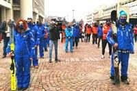 I maestri di sci manifestano sul piazzale della Regione (dicembre 2020)