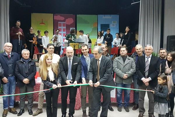 Inaugurazione scuola Meldola (FC 2 dicembre 2017) con Bonaccini taglio nastro