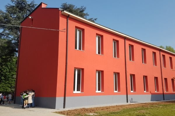 Scuola Monticelli l'edificio