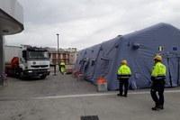 Coronavirus montaggio container per elisoccorso ospedale Maggiore Bologna ad opera di volontari Federgev 4