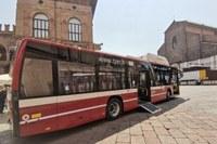 Nuovi autobus a metano liquido bologna.jpg