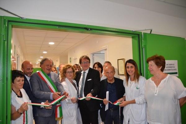 Ospedale di Pavullo, taglio del nastro ass. Venturi - 05/07/2018