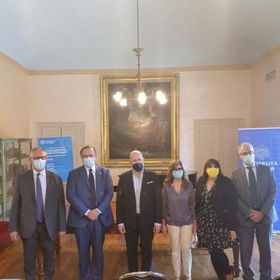 presentazione del corso di laurea in medicina in lingua inglese a Piacenza, con presidente Bonaccini e assessore Salomoni