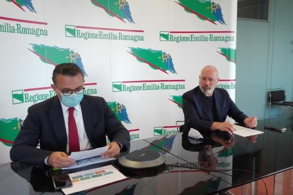 Presentazione Piano riorganizzazione assistenza ospedaliera 17 giugno 2020 con Bonaccini e Donini
