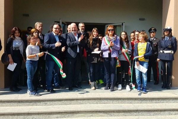 """Taglio nastro Bonaccini scuola """"Galilei"""" Gragnano Trebbiense, 31/03/2017"""