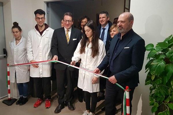 Taglio nastro Istituto Fermi di Modena (4 febbraio 2017)