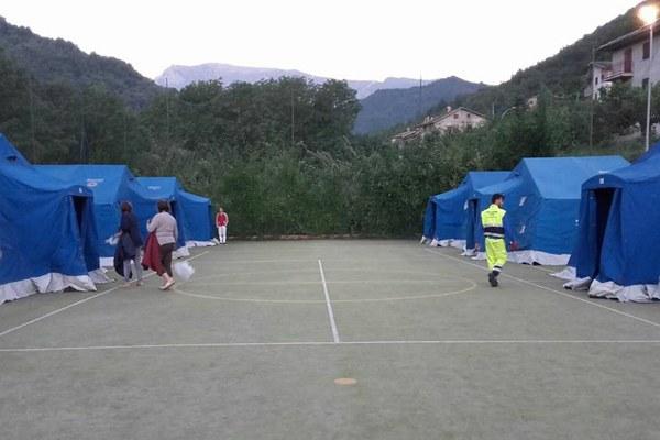 Terremoto Italia centrale, campo a Montegallo