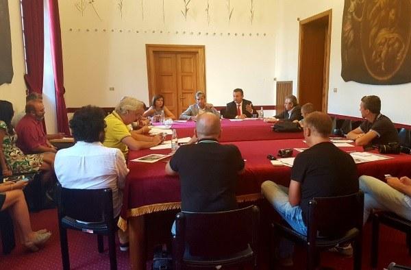 Trc Rimini conferenza stampa Donini Gnassi (12/7/2017) sala