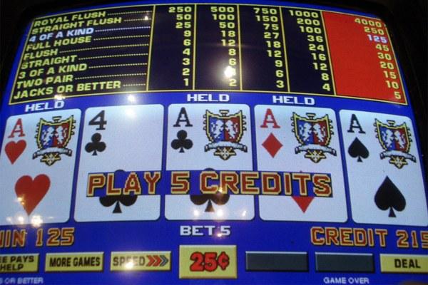 Videopoker, gioco d'azzardo (2)