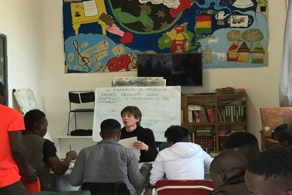 Corso di italiano per profughi minorenni all'Ub Merlani di Bologna