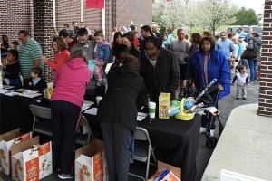 distribuzione cibo ai poveri