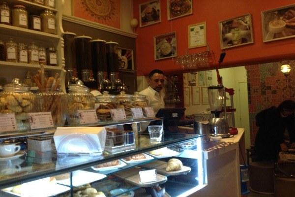 Imprenditore straniero a Bologna