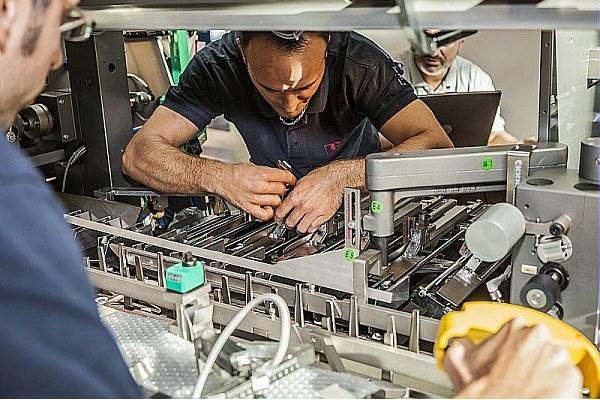 Azienda metalmeccanica, impresa, operai