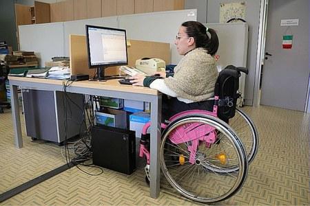 Disabili, lavoro, donna