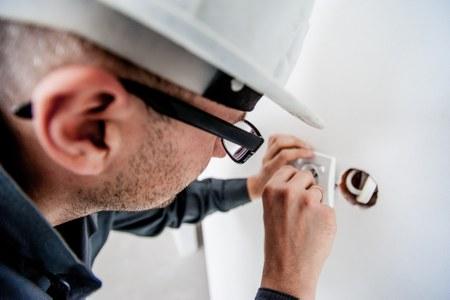 elettricista lavoro artigiano
