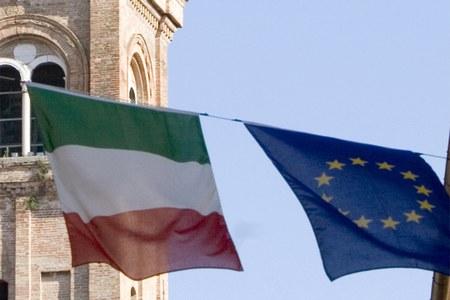 Europa, UE, fondi europei, bandiera europea, bandiera italiana