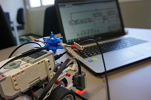 Formazione, laboratorio di robotica, innovazione, ricerca