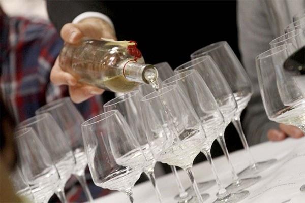 Somelier, vino, bicchieri, dal sito Vinitaly