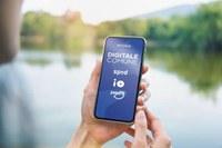 Digitale Comune - Smartphone con logo